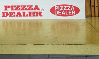 Foto Makanan di Pizzza Dealer