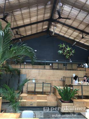 Foto 4 - Interior di Three Buns oleh Putri Augustin