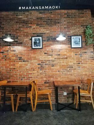 Foto 3 - Interior di Awesome Coffee oleh @makansamaoki