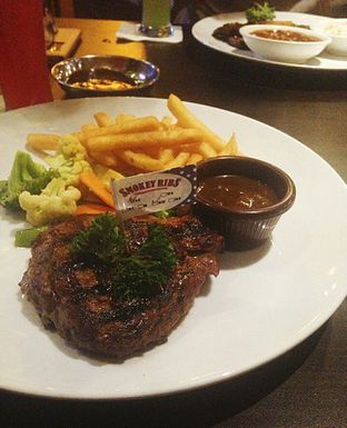 Foto - Makanan di Smokey Ribs oleh Icha Jesse