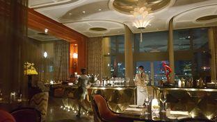 Foto review Alto Restaurant & Bar - Four Seasons oleh Vising Lie 6