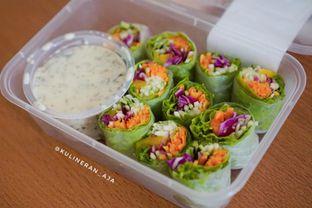 Foto 1 - Makanan(Salad Roll) di Serasa Salad Bar oleh @kulineran_aja
