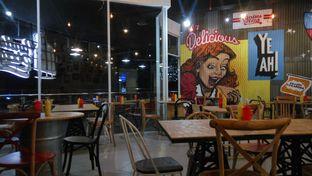 Foto 4 - Interior di Panties Pizza oleh Fadhlur Rohman