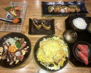 Foto 1 - Menu(Dagingnya fresh guys) di Sushi Sen oleh GetUp TV