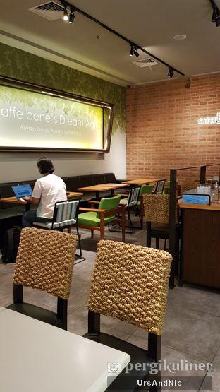 Foto 6 - Interior di Caffe Bene oleh UrsAndNic