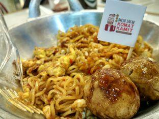 Foto 4 - Makanan di Bakso Bakar Komat Kamit oleh D L
