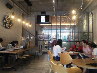 Foto 1 - Interior di Phos Coffee oleh Herina Yunita