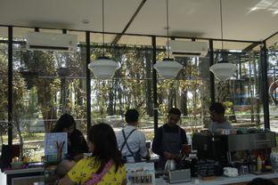 Foto 10 - Interior di Popolo Coffee oleh yudistira ishak abrar