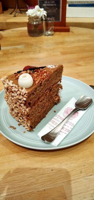 Foto 3 - Makanan di Hummingbird Eatery oleh mftravelling