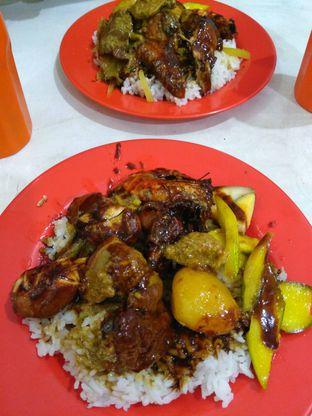 Foto - Makanan di Nasi Kari Akiat oleh Wignyo Wicaksono