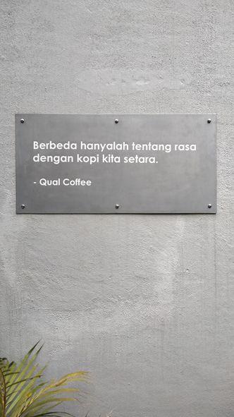 Foto Interior di Qual Coffee