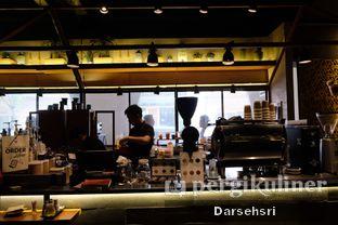 Foto 9 - Interior di Bermvda Coffee oleh Darsehsri Handayani