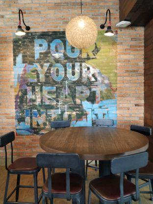 Foto 2 - Interior di Starbucks Coffee oleh yeli nurlena