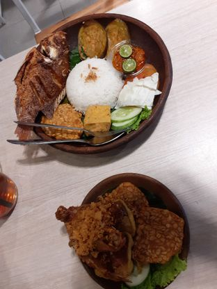 Foto 2 - Makanan di Penyetan Cok oleh Threesiana Dheriyani