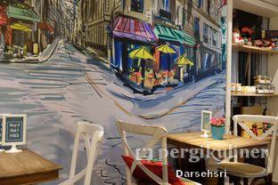 Foto 10 - Interior di Exquise Patisserie oleh Darsehsri Handayani