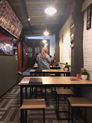 Foto 6 - Interior di OTW Sushi oleh Fadhlur Rohman