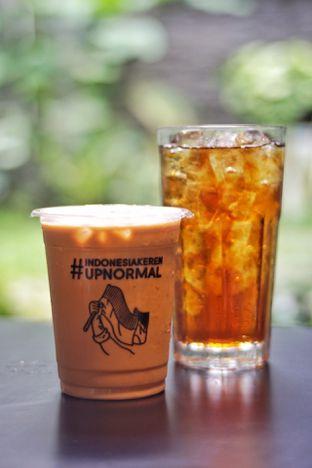 Foto 1 - Makanan(Es Kopi Susu) di Upnormal Coffee Roasters oleh Fadhlur Rohman