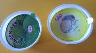 Foto 1 - Makanan di Baltic Ice Cream oleh Eunice