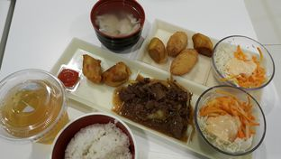 Foto - Makanan di HokBen (Hoka Hoka Bento) oleh zelda