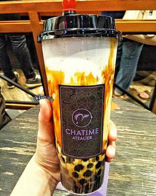 Foto 2 - Makanan(Creme brulee brown sugar fresh milk with boba) di Chatime oleh duocicip