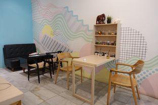 Foto 6 - Interior di Elmakko Coffee oleh inggie @makandll