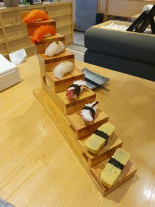 Foto 6 - Makanan di Sushi Hiro oleh Makan2 TV Food & Travel
