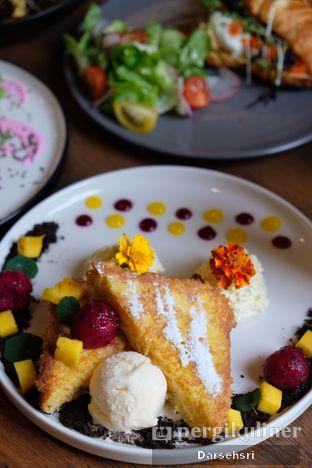Foto 3 - Makanan di Burns Cafe oleh Darsehsri Handayani