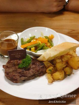 Foto review B'Steak Grill & Pancake oleh JC Wen 1