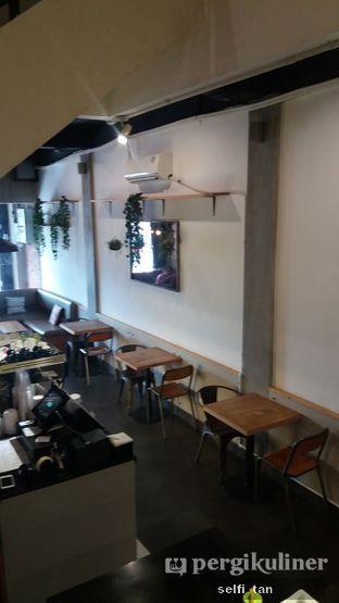 Foto 5 - Interior di Agenda Coffee Bistro oleh Selfi Tan