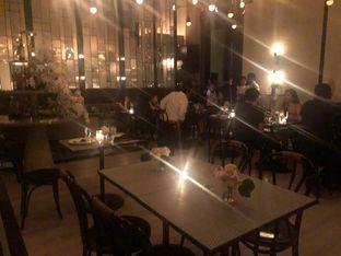 Foto 4 - Interior di Gia Restaurant & Bar oleh Vising Lie
