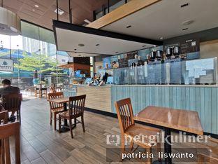 Foto 3 - Interior di Caribou Coffee oleh Patsyy