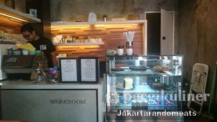 Foto 4 - Interior di Workroom Coffee oleh Jakartarandomeats