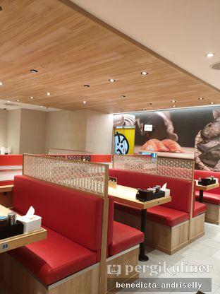 Foto 5 - Interior di Genki Sushi oleh ig: @andriselly