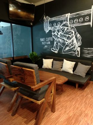 Foto 6 - Interior di Lock On Coffee oleh Ika Nurhayati