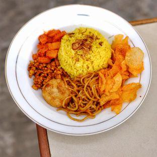 Foto 9 - Makanan di Nasi Uduk Meranti oleh om doyanjajan
