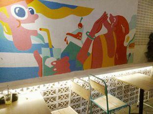 Foto 6 - Interior di Yelo Eatery oleh D L