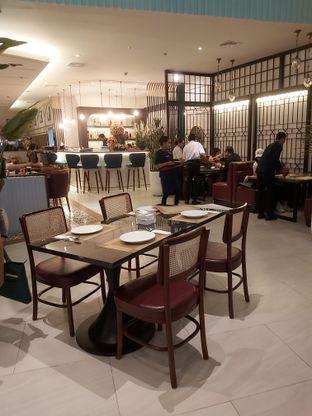 Foto 8 - Interior di Table 101 oleh denise elysia