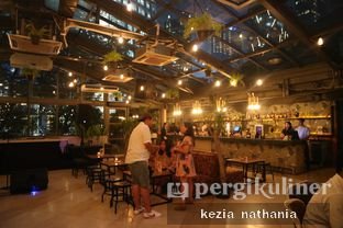Foto 6 - Interior di Lucy in the Sky oleh Kezia Nathania