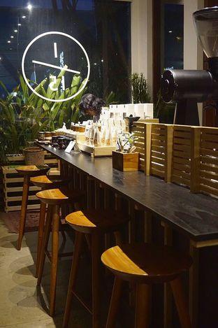 Foto 15 - Interior di 1/15 One Fifteenth Coffee oleh yudistira ishak abrar
