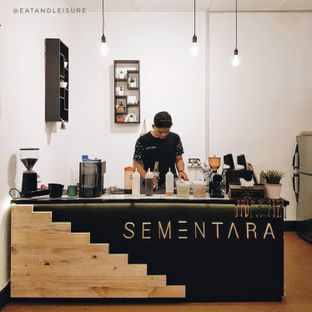 Foto 5 - Interior di Sementara Coffee oleh Eat and Leisure