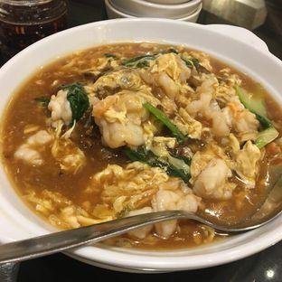 Foto 3 - Makanan(Kwetiau Siram Seafood) di Soup Restaurant oleh Ria