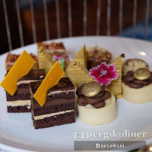 Foto 2 - Makanan di The Writers Bar - Raffles Jakarta Hotel oleh Darsehsri Handayani