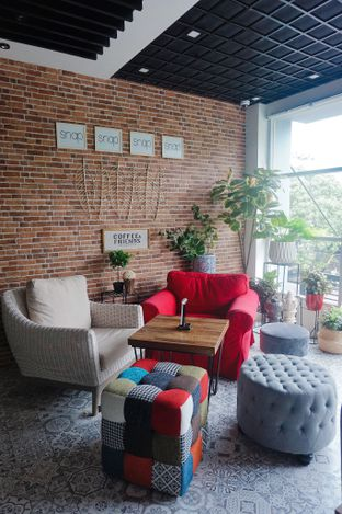 Foto 7 - Interior di Chill Bill Coffees & Platters oleh yudistira ishak abrar