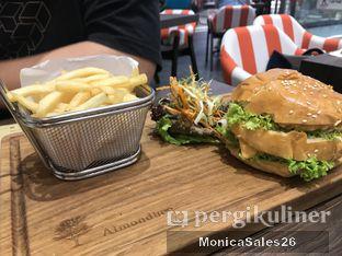 Foto review Almondtree oleh Monica Sales 5