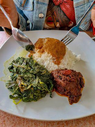 Foto 2 - Makanan(Nasi Padang Rendang) di RM Bopet Mini oleh Adhy Musaad