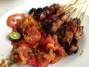 Foto 2 - Makanan(Sate Maranggi Ayam) di Sate Maranggi Haji Yetty oleh awakmutukangmakan