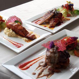 Foto 1 - Makanan di Grandia Sky Lounge - Grandia Hotel oleh Chris Chan