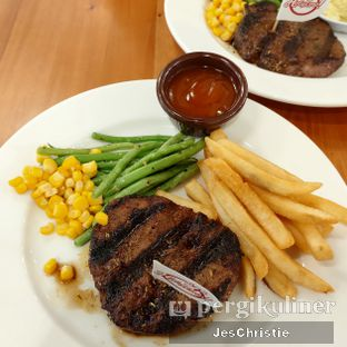 Foto 2 - Makanan(sanitize(image.caption)) di Holycow! STEAKHOUSE by Chef Afit oleh JC Wen