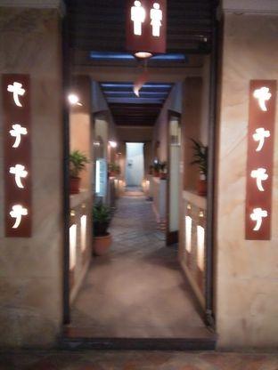Foto 6 - Interior di Tizi's Cakeshop & Resto oleh Trias Yuliana