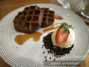 Foto 2 - Makanan(Espresso Waffle) di Phos Coffee oleh Agnes Octaviani